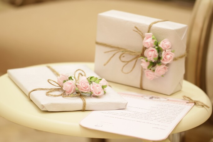 A Few Reasons to Buy Customized Gifts For Wedding Attendants
